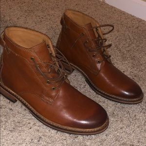 Clark boots (leather)
